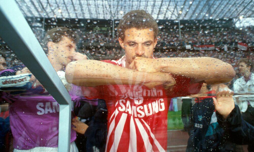 Fußball, DFB-Pokalfinale 1990/1991, SV Werder Bremen - 1. FC Köln Maurice Banach Köln ist nach dem verlorenem Pokalfinale sehr traurig