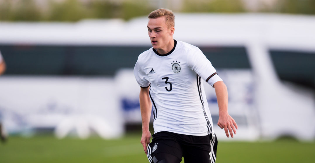 SALOU, SPAIN - NOVEMBER 13: Tim-Henry Handwerker of Germany controls the ball during the U19 international friendly match between Czech Republic and Germany on November 13, 2016 in Salou, Spain. (Photo by Alex Caparros/Bongarts/Getty Images)