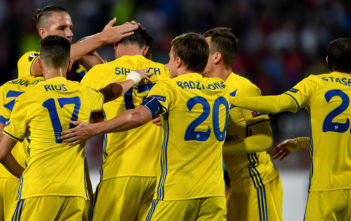 Bate's forward Nikolai Signevich celebrates with teammates after scoring a goal during the UEFA Europa League match between FK Crvena Zvezda Beograd and Bate Borisov at the Rajko Mitic stadium in Belgrade on September 14, 2017. / AFP PHOTO / ANDREJ ISAKOVIC (Photo credit should read ANDREJ ISAKOVIC/AFP/Getty Images)