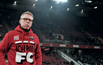 COLOGNE, GERMANY - FEBRUARY 26: Head coach Peter Stoeger of 1. FC Koeln looks on prior to kickoff during the Bundesliga match between 1. FC Koeln and Hertha BSC at RheinEnergieStadion on February 26, 2016 in Cologne, Germany. (Photo by Dennis Grombkowski/Bongarts/Getty Images)
