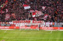 Südkurve Vorstand Raus Banner
