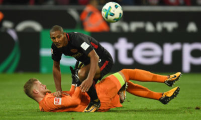 Cologne's goalkeeper Timo Horn and Frankfurt´s midfielder Sebastian Haller vie for the ball during the German First division Bundesliga football match 1.FC Cologne vs Eintracht Frankfurt in Cologne, western Germany, on September 20, 2017. / AFP PHOTO / PATRIK STOLLARZ (Photo credit should read PATRIK STOLLARZ/AFP/Getty Images)