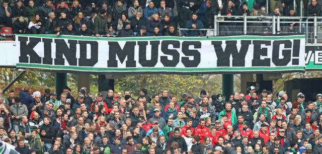 HANOVER, GERMANY - OCTOBER 28: Supporters of Hannover voice their opinion against Martin Kind, chairman of Hannover, before the Bundesliga match between Hannover 96 and Borussia Dortmund at HDI-Arena on October 28, 2017 in Hanover, Germany. (Photo by Martin Rose/Bongarts/Getty Images)