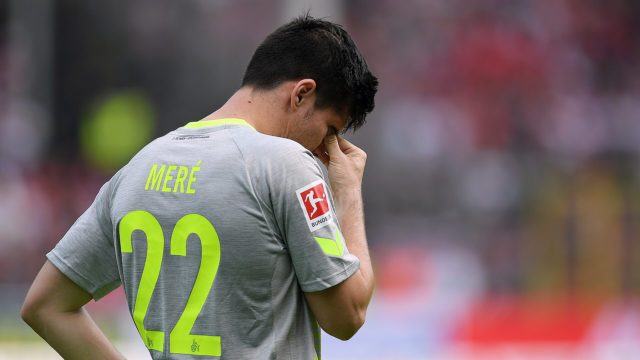 REIBURG IM BREISGAU, GERMANY - APRIL 28: Jorge Mere of Koeln looks dejected during the Bundesliga match between Sport-Club Freiburg and 1. FC Koeln at Schwarzwald-Stadion on April 28, 2018 in Freiburg im Breisgau, Germany. (Photo by Matthias Hangst/Bongarts/Getty Images)