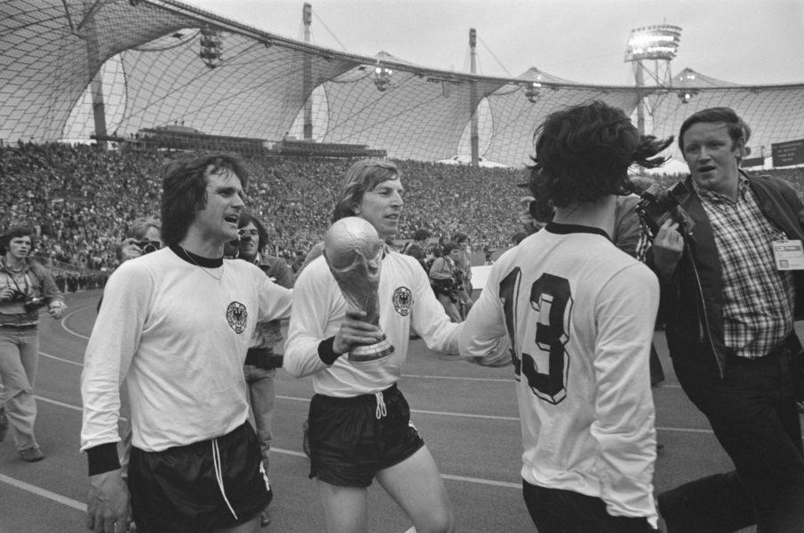 Wolfgang Overath WM-Pokal Finale München Pokal
