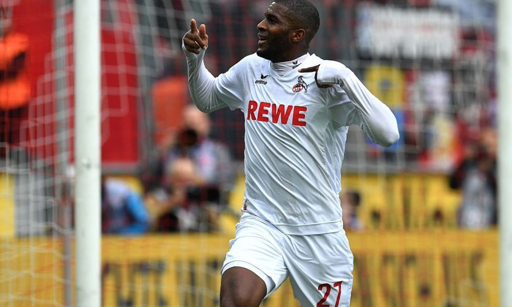 Cologne's French striker Anthony Modeste celebrates after scoring during the German first division Bundesliga football match between FC Cologne and FC Ingolstadt 04, in Cologne, western Germany, on October 15, 2016. / AFP / PATRIK STOLLARZ / RESTRICTIONS: DURING MATCH TIME: DFL RULES TO LIMIT THE ONLINE USAGE TO 15 PICTURES PER MATCH AND FORBID IMAGE SEQUENCES TO SIMULATE VIDEO. == RESTRICTED TO EDITORIAL USE == FOR FURTHER QUERIES PLEASE CONTACT DFL DIRECTLY AT + 49 69 650050 (Photo credit should read PATRIK STOLLARZ/AFP/Getty Images)