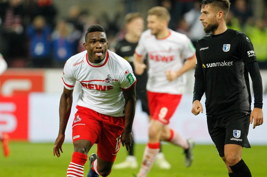 COLOGNE, GERMANY - DECEMBER 17: Jhon Cordoba of Cologne (L) celebrates scoring the 1:0 goal during the Second Bundesliga match between 1. FC Koeln and 1. FC Magdeburg at RheinEnergieStadion on December 17, 2018 in Cologne, Germany. (Photo by Mika Volkmann/Bongarts/Getty Images)