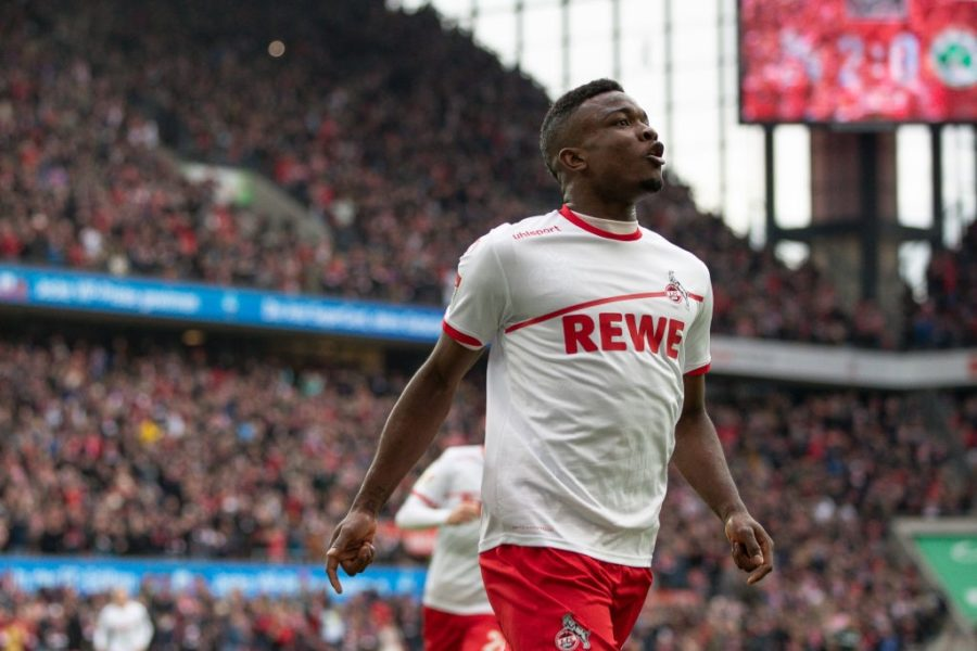 COLOGNE, GERMANY - DECEMBER 01: Jhon Cordoba #15 of 1.FC Koeln celebrates after scoring his team's third goal during the Second Bundesliga match between 1. FC Koeln and SpVgg Greuther Fuerth at RheinEnergieStadion on December 1, 2018 in Cologne, Germany. (Photo by Maja Hitij/Bongarts/Getty Images)
