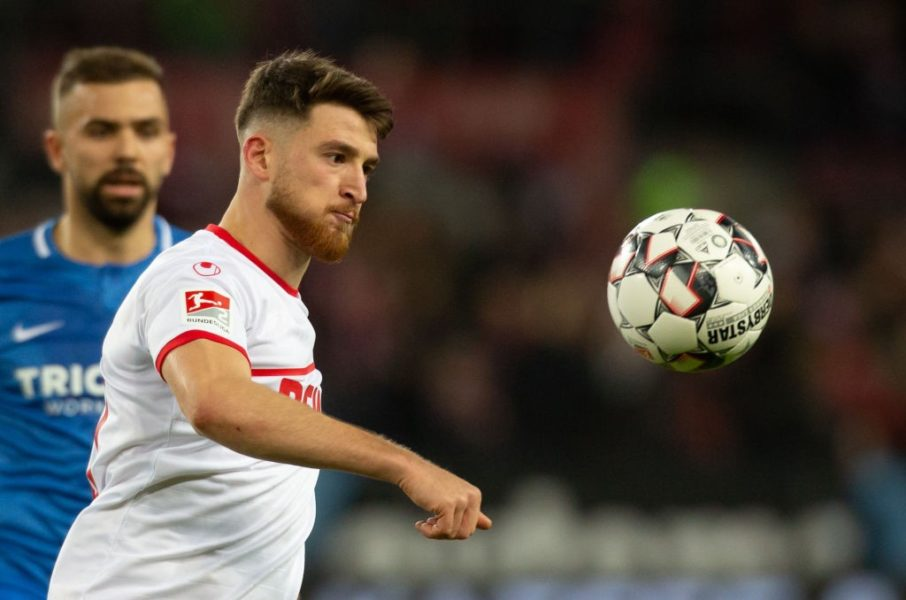 COLOGNE, GERMANY - DECEMBER 21: Salih Oezcan of Cologne eyes the ball during the Second Bundesliga match between 1. FC Koeln and VfL Bochum 1848 at RheinEnergieStadion on December 21, 2018 in Cologne, Germany. (Photo by Juergen Schwarz/Bongarts/Getty Images)