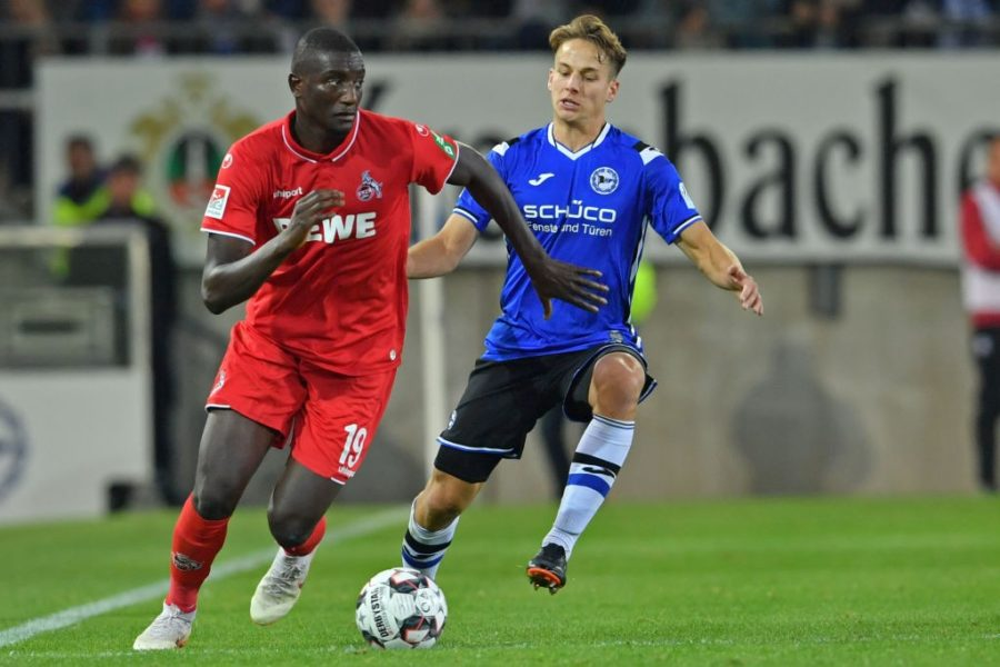 BIELEFELD, GERMANY - SEPTEMBER 28: Serhou Guirassy (L) of Koeln and Cedric Brunner of Bielefeld fight for the ball during the Second Bundesliga match between DSC Arminia Bielefeld and 1. FC Koeln at Schueco Arena on September 28, 2018 in Bielefeld, Germany. (Photo by Thomas Starke/Bongarts/Getty Images)