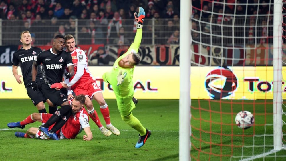 BERLIN, GERMANY - JANUARY 31: Florian Huebner #19 of Berlin scores his team's second goal past goalkeeper Timo Horn of Koeln during the Second Bundesliga match between 1. FC Union Berlin and 1. FC Koeln at Stadion An der Alten Foersterei on January 31, 2019 in Berlin, Germany. (Photo by Stuart Franklin/Bongarts/Getty Images)