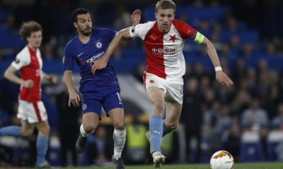 Chelsea's Spanish midfielder Pedro vies with Slavia Prague's Czech midfielder Tomas Soucek during the UEFA Europa League Quarter-Final second leg football match between Chelsea and Slavia Prague at Stamford Bridge stadium in London on April 18, 2019. (Photo by Adrian DENNIS / AFP) (Photo credit should read ADRIAN DENNIS/AFP/Getty Images)