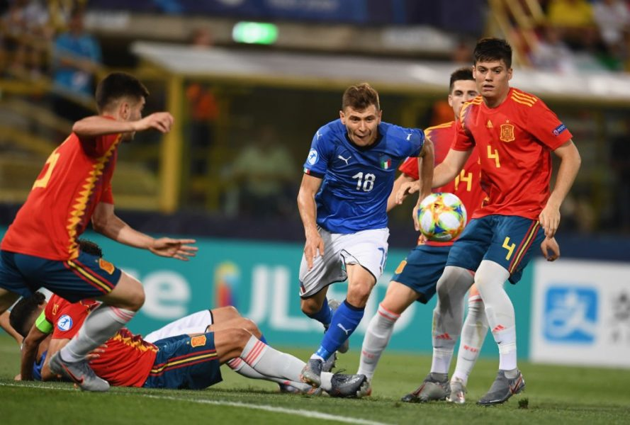 BOLOGNA, ITALY - JUNE 16: Nicolo Barella of Italy in action during the 2019 UEFA U-21 Group A match between Italy and Spain at Renato Dall'Ara stadium on June 16, 2019 in Bologna, Italy. (Photo by Claudio Villa/Getty Images)