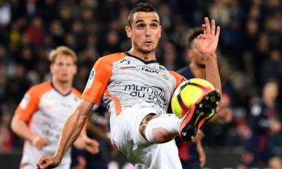 Montpellier's French midfielder Ellyes Skhiri controls the ball during the French L1 football match between Paris Saint-Germain and Montpellier at the Parc des Princes stadium on February 20, 2019. (Photo by FRANCK FIFE / AFP) (Photo credit should read FRANCK FIFE/AFP/Getty Images)