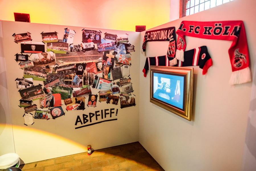 """Ausstellung """"Abpfiff - Wenn der Fußball Trauer trägt"""""""