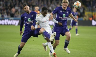 Anderlecht's Elias Cobbaut, Genk's Aly Mbwana Samatta and Anderlecht's Sebastiaan Bornauw fight for the ball during a soccer match between RSC Anderlecht and KRC Genk, Thursday 16 May 2019 in Brussels, on day 9 (out of 10) of the Play-off 1 of the 'Jupiler Pro League' Belgian soccer championship. BELGA PHOTO YORICK JANSENS (Photo credit should read YORICK JANSENS/AFP/Getty Images)