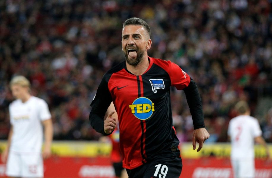 COLOGNE, GERMANY - SEPTEMBER 29: Vedad Ibisevic of Hertha BSC celebrates after scoring his team's third goal during the Bundesliga match between 1. FC Koeln and Hertha BSC at RheinEnergieStadion on September 29, 2019 in Cologne, Germany. (Photo by Dean Mouhtaropoulos/Bongarts/Getty Images)