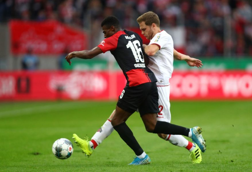 COLOGNE, GERMANY - SEPTEMBER 29: Benno Schmitz of 1. FC Koln is tackled by Peter Pekarik of Hertha BSC during the Bundesliga match between 1. FC Koeln and Hertha BSC at RheinEnergieStadion on September 29, 2019 in Cologne, Germany. (Photo by Dean Mouhtaropoulos/Bongarts/Getty Images)