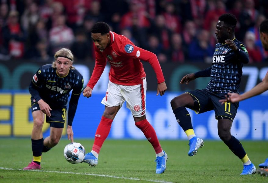 MAINZ, GERMANY - OCTOBER 25: Jean-Paul Boëtius of 1.FSV Mainz 05 scores their first goal the Bundesliga match between 1. FSV Mainz 05 and 1. FC Koeln at Opel Arena on October 25, 2019 in Mainz, Germany. (Photo by Alex Grimm/Bongarts/Getty Images)