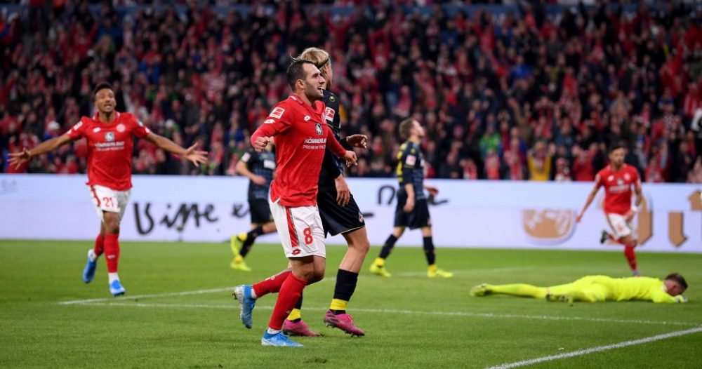 MAINZ, GERMANY - OCTOBER 25: Levin Öztunali of 1.FSV Mainz 05 celebrates after the third goal during the Bundesliga match between 1. FSV Mainz 05 and 1. FC Koeln at Opel Arena on October 25, 2019 in Mainz, Germany. (Photo by Alex Grimm/Bongarts/Getty Images)