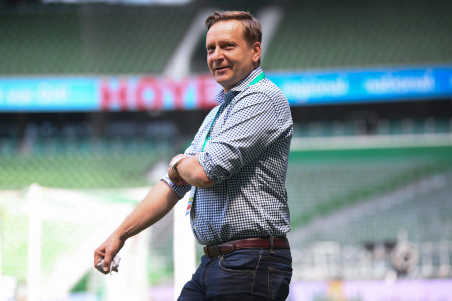 BREMEN, GERMANY - JUNE 27: Manager Horst Heldt of 1 FC Koeln looks on prior to the Bundesliga match between SV Werder Bremen and 1. FC Koeln at Wohninvest Weserstadion on June 27, 2020 in Bremen, Germany. (Photo by Oliver Hardt/Getty Images)