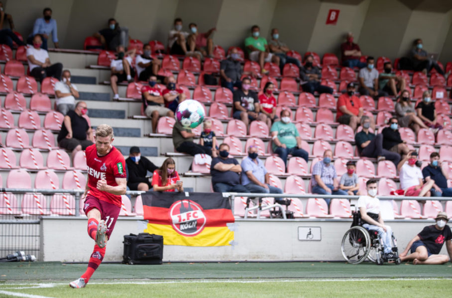 COLOGNE, GERMANY - AUGUST 18: Florian Kainz of Koeln kicks a corner during a friendly match between 1. FC Koeln and VfL Bochum at Franz-Kremer-Stadion on August 18, 2020 in Cologne, Germany. (Photo by Lars Baron/Bongarts/Getty Images)