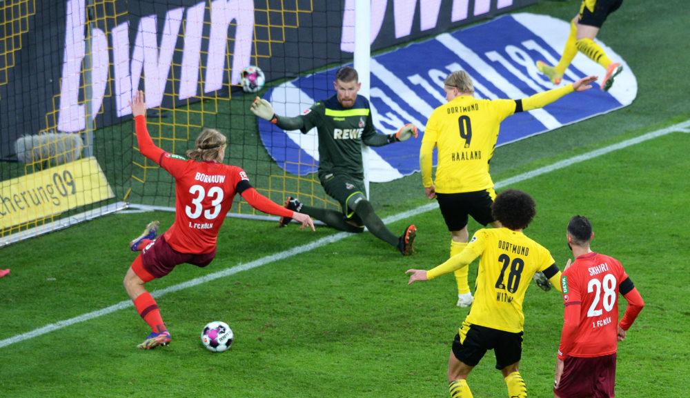 DORTMUND, GERMANY - NOVEMBER 28: Dortmund's Erling Haaland misses a chance during the Bundesliga match between Borussia Dortmund and 1. FC Koeln at Signal Iduna Park on November 28, 2020 in Dortmund, Germany. (Photo by Uwe Kraft - Pool/Getty Images)