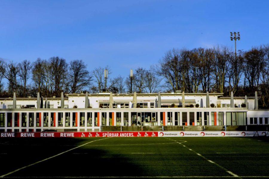 Der RheinEnergieSportpark ist eine Sportanlage des 1. FC Köln im Grüngürtel in Köln-Sülz. Die Anlage umgibt das Clubhaus des Vereins, das Geißbockheim Geißbockheim *** The RheinEnergieSportpark is a sports facility of 1 FC Köln in the green belt in Cologne Sülz The facility surrounds the clubhouse of the club, the Geißbockheim Geißbockheim