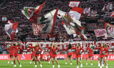 Fussball, Bundesliga, Deutschland, Herren, Saison 2019/2020, 24. Spieltag, Rhein Energie Stadion Köln, 1. FC Köln weiss - FC Schalke 04 blau 3:0 FC Cheerleader vor der vollen Südtribüne. Feature, Symbol, Symbolbild, Fan, Fans, Fankultur, Begeisterung. DFB/DFL REGULATIONS PROHIBIT ANY USE OF PHOTOGRAPHS AS IMAGE SEQUENCES AND/OR QUASI-VIDEO *** Football, Bundesliga, Germany, Men, Season 2019 2020, 24 Matchday, Rhein Energie Stadion Cologne, 1 FC Cologne white FC Schalke 04 blue 3 0 FC Cheerleader in front of the full South stand Feature, Symbol, Symbol image, Fan, Fans, Fan culture, Enthusiasm DFB DFL REGULATIONS PROHIBIT ANY USE OF PHOTOGRAPHS AS IMAGE SEQUENCES AND OR QUASI VIDEO