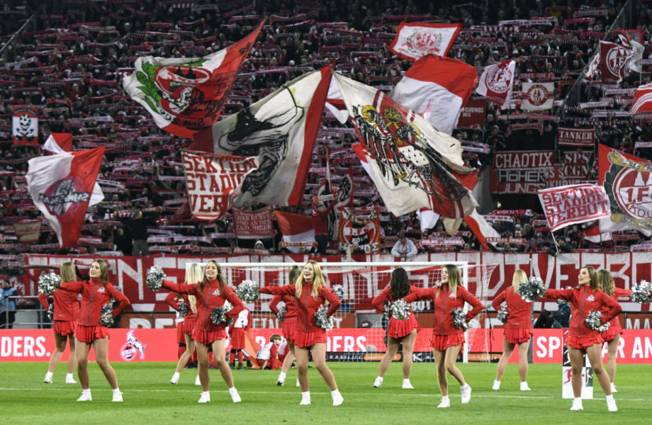 Fussball, Bundesliga, Deutschland, Herren, Saison 2019/2020, 24. Spieltag, Rhein Energie Stadion Köln, 1. FC Köln weiss - FC Schalke 04 blau 3:0 FC Cheerleader vor der vollen Südtribüne. Feature, Symbol, Symbolbild, Fan, Fans, Fankultur, Begeisterung. DFB/DFL REGULATIONS PROHIBIT ANY USE OF PHOTOGRAPHS AS IMAGE SEQUENCES AND/OR QUASI-VIDEO *** Football, Bundesliga, Germany, Men, Season 2019 2020, 24 Matchday, Rhein Energie Stadion Cologne, 1 FC Cologne white FC Schalke 04 blue 3 0 FC Cheerleader in front of the full South stand Feature, Symbol, Symbol image, Fan, Fans, Fan culture, Enthusiasm DFB DFL REGULATIONS PROHIBIT ANY USE OF PHOTOGRAPHS AS IMAGE SEQUENCES AND OR QUASI VIDEO